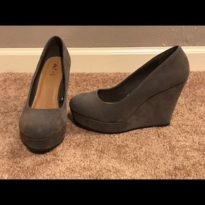Shoes - Simple Gray Wedges